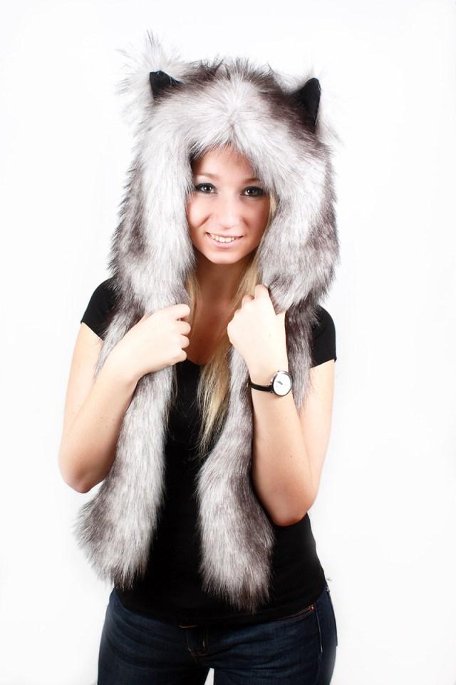 Женская шапка волкошапка – фото новинки сезона