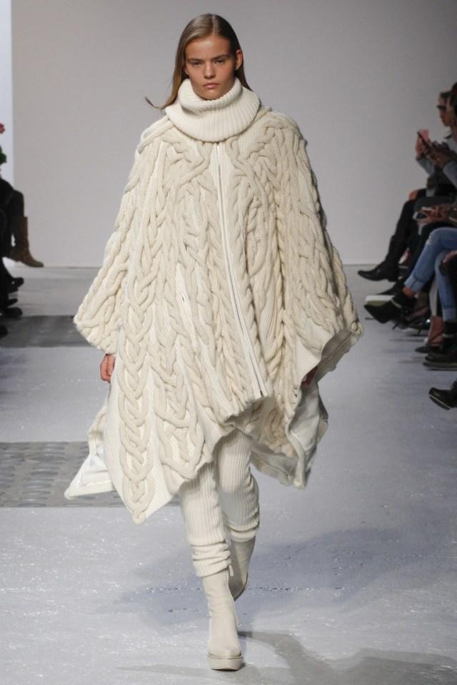 Модная кофта 2015 - модель пончо с горлом водолазки – фото новинка Barbara Bui