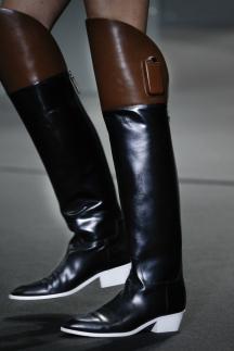 Модные сапоги осень-зима 2014-2015 – фото Alexander Wang