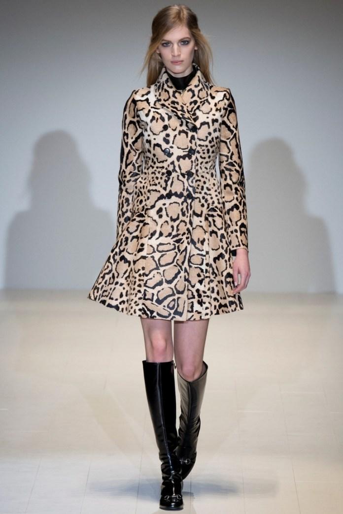 Леопардовый плащ – фото новинка в коллекции Gucci