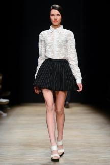 Фото модной белой рубашки осень-зима 2014-2015 – Ksenia Schnaider