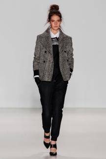 Короткий пиджак серого цвета осень-зима 2014-2015 Marissa Webb
