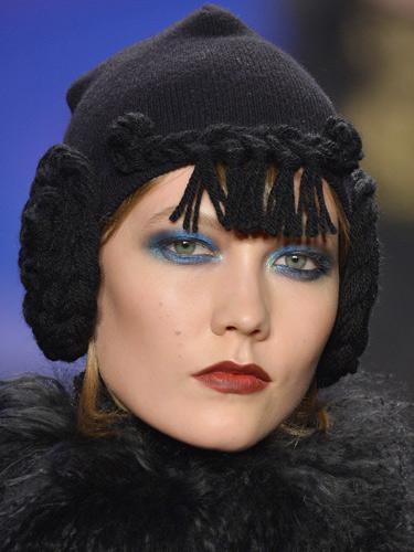 Вариант модного макияжа осень-зима 2014-2015 – AnnaSui