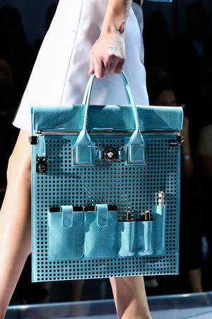 Необычная шикарная модная сумка 2015 бирюзового цвета от Versace