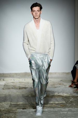 Блестящие мужские брюки – мужская мода 2015 Baja East