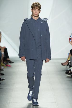 Мужская мода 2015 – наряд в классическом стиле в сочетании со спортивным стилем - Lacoste