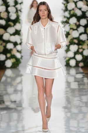 Белая модная куртка бомбер весна лето 2015 с пышной юбкой – Valentin Yudashkin