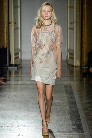 Костюм с юбкой и модной блузкой 2015 Aquilano.Rimondi