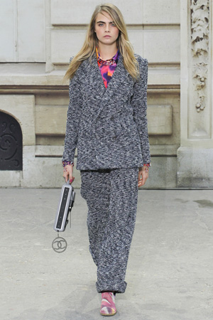 Шерстяной костюм фото Chanel весна лето 2015