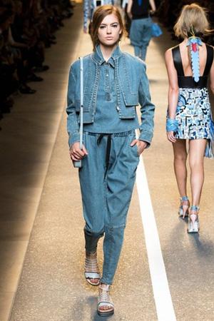 Короткая джинсовка весна лето 2015 Fendi