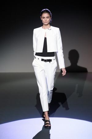 Белый короткий модный пиджак фото весна лето 2015 - Irfe
