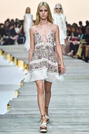 Короткий модный сарафан весна лето 2015 с ярким принтом – Roberto Cavalli