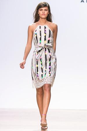 Модное летнее платье 2015 с ярким принтом шарики – фото Alexander Terekhov