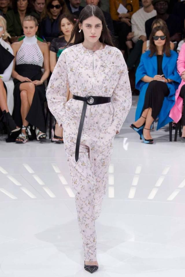 Модный комбинезон в пижамном стиле – фото новинка в коллекции Christian Dior