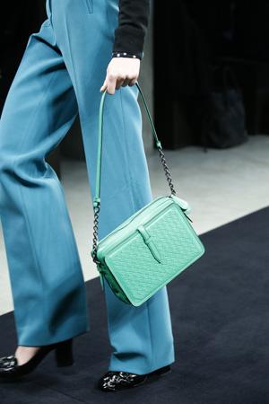 Голубая модная сумка осень зима 2015 2016 фото – Bottega Veneta