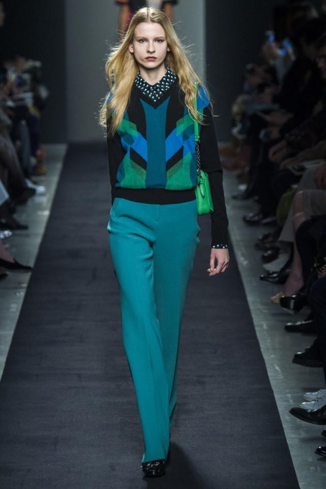 Модные оттенки одежды 2016 – синий и его оттенки – фото новинка в коллекции Bottega Veneta