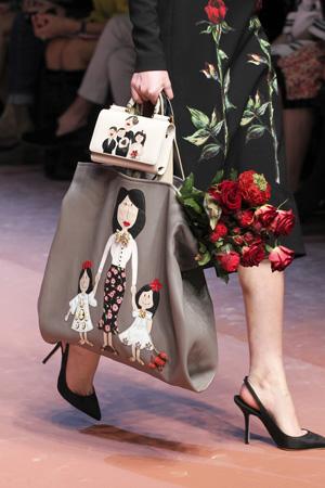 Фото композиции – сумка в сумке от модного дома Dolce & Gabbana