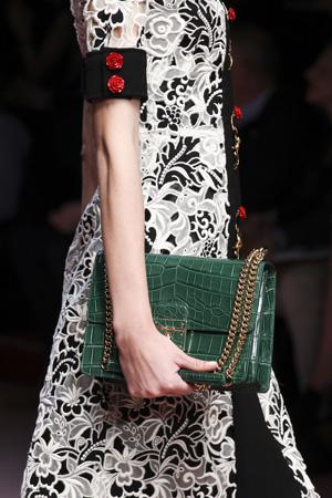 Зеленая модная сумка из кожи под рептилию – осень зима 2015 2016 фото Dolce & Gabbana