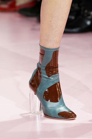Модные ботильоны от Christian Dior осень-зима 2015-2016 с прозрачным каблуком