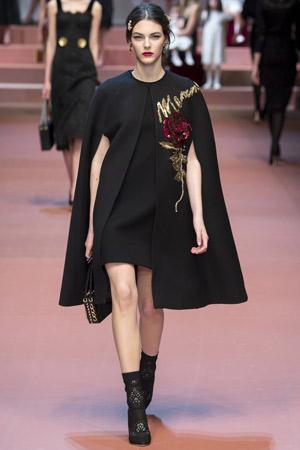 Модное пальто с коротким рукавом осень-зима 2015-2016 фото: