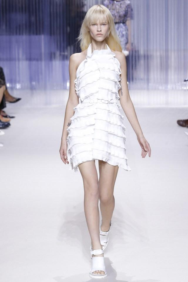 Модное белое платье 2016 года – фото новинки от Carven