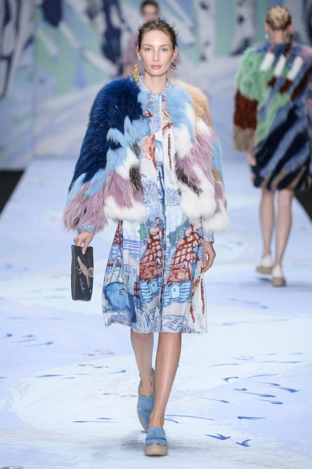 Короткая модная зимняя шуба 2016 – фото новинка в коллекции Alena Akhmadullina