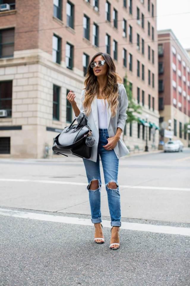 Сочетание модного кардигана с джинсами