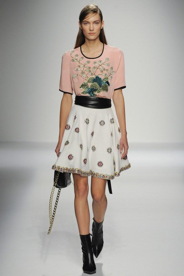 Модная пышная модель юбки 2016 – фото новинка от Andrew Gn