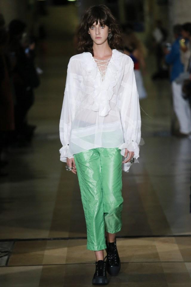 Модная белая блузка 2016 свободного кроя – фото новинки в коллекции Koché