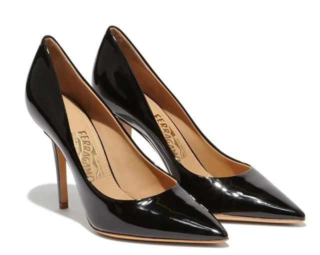 Черные классические туфли лодочки – новинка бренда Salvatore Ferragamo