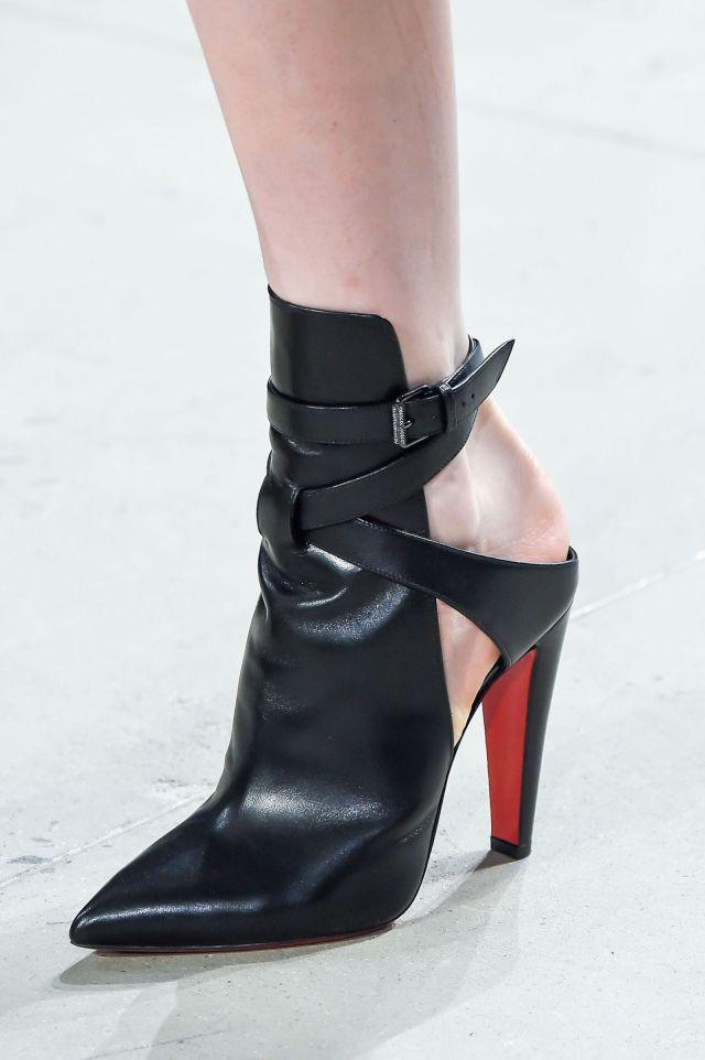 Модные туфли с красной подошвой – фото новинки в коллекции Cushnie et Ochs