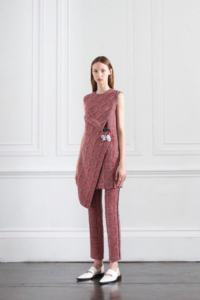 Длинный свитер-платье весна-лето 2016 – фото новинки от Victoria Beckham