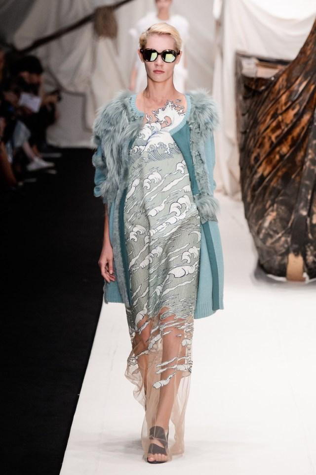 Мода весны 2016 из коллекции Alena Akhmadullina.