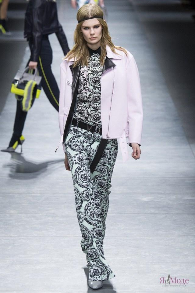 Люксовая коллекция Versace на показе в Милане
