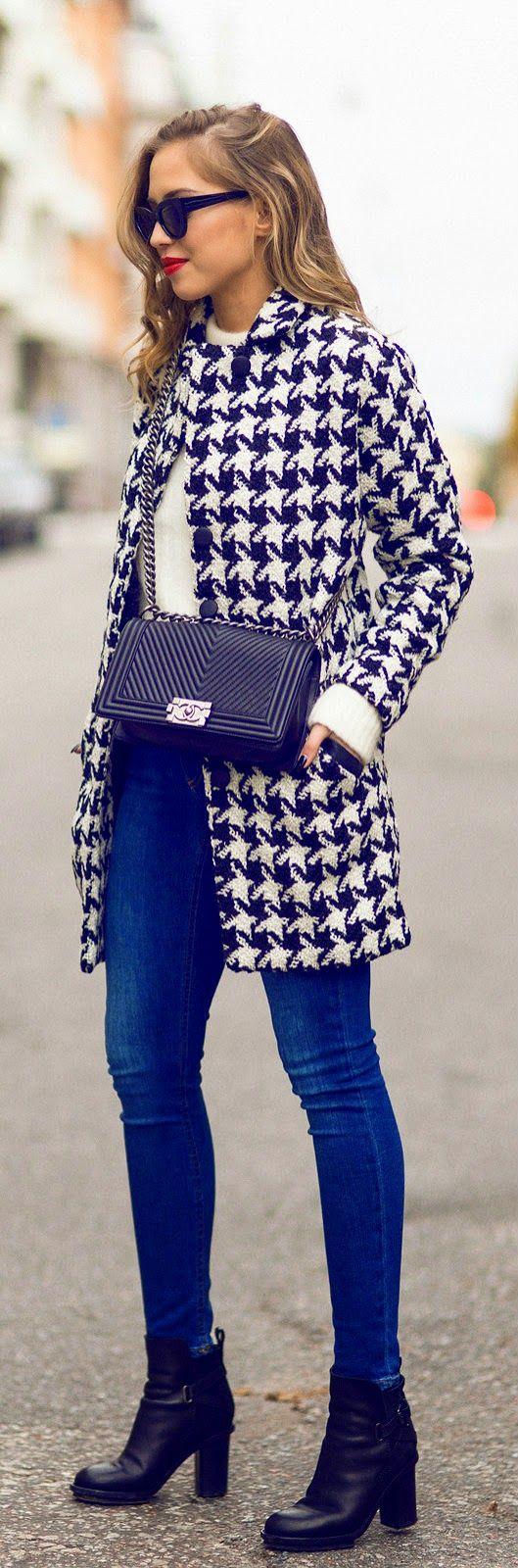 Модное пальто весны 2016 с узором гусиные лапки – популярная модель этого сезона