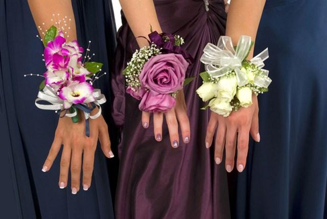 Браслеты-украшения сделанные своими руками.