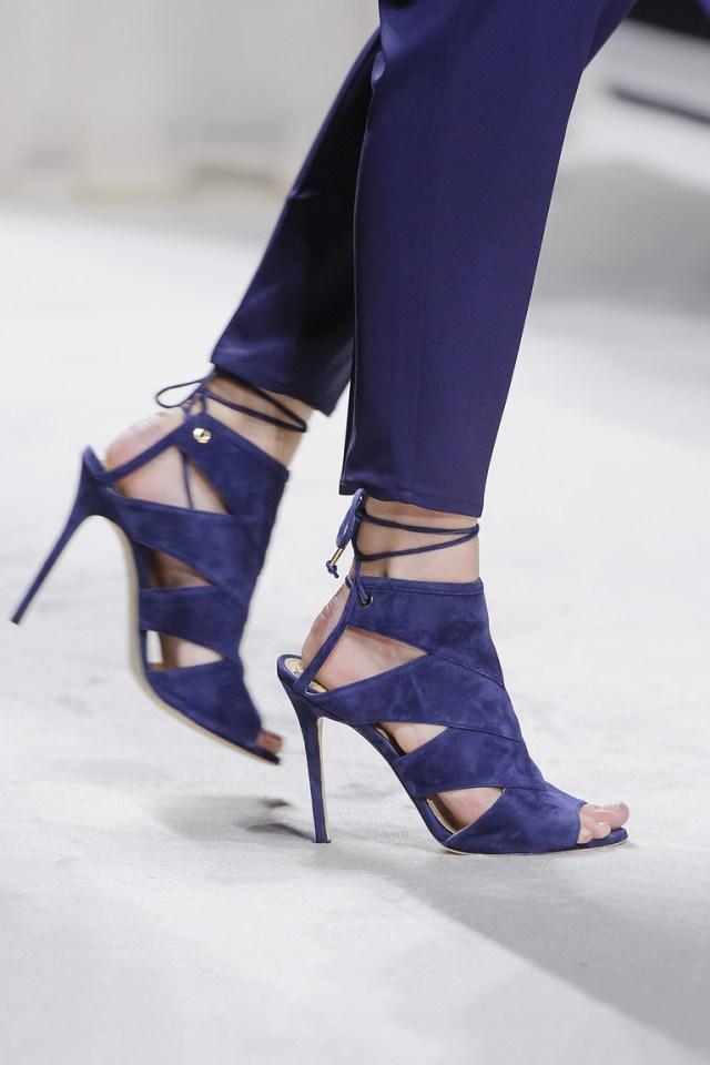 Модная обувь весна-лето 2016 - босоножки на каблуке из коллекции Elisabetta Franchi.