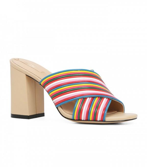 На фото: сандалии-сабо от Aldo.