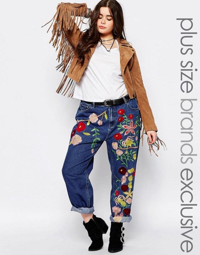 Мода для полных весна-лето 2016 - укороченные джинсы расшитые цветами.