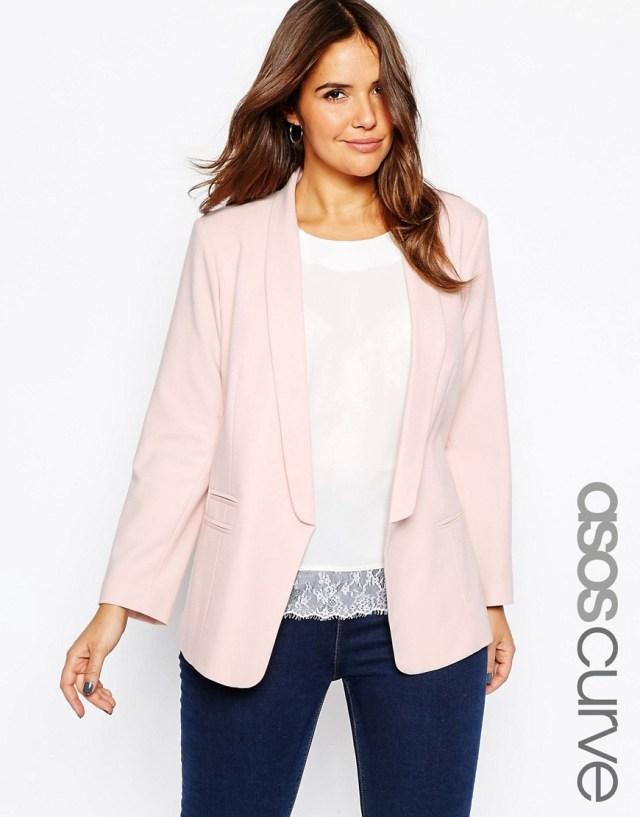 Мода для полных женщин весна-лето 2016 - классический розовый костюм.