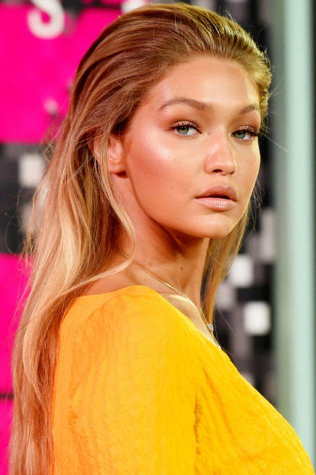 На фото6 бронзовый макияж - это самое модное направление этого сезона.