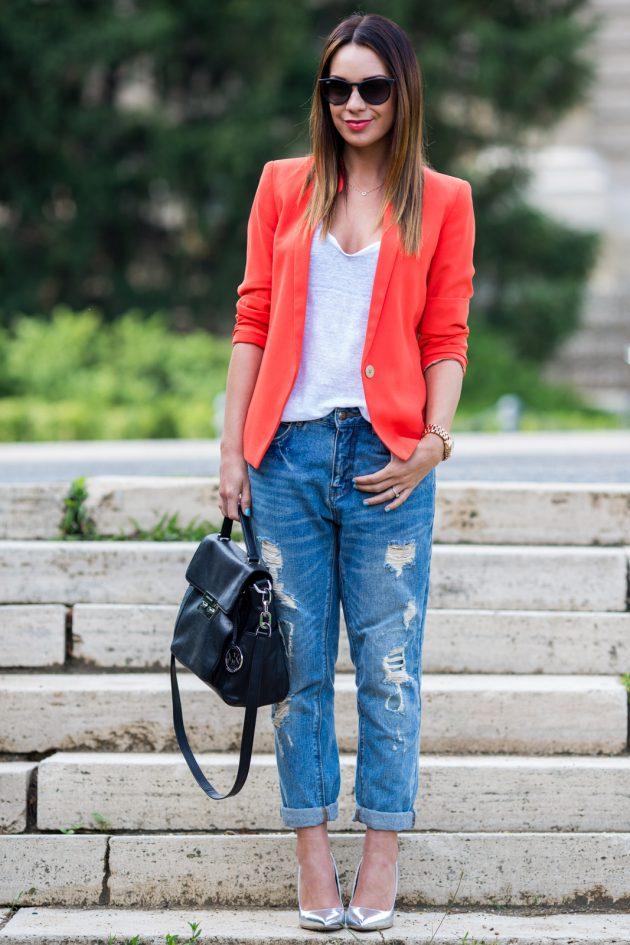 На фото: роскошные серебристые туфли.