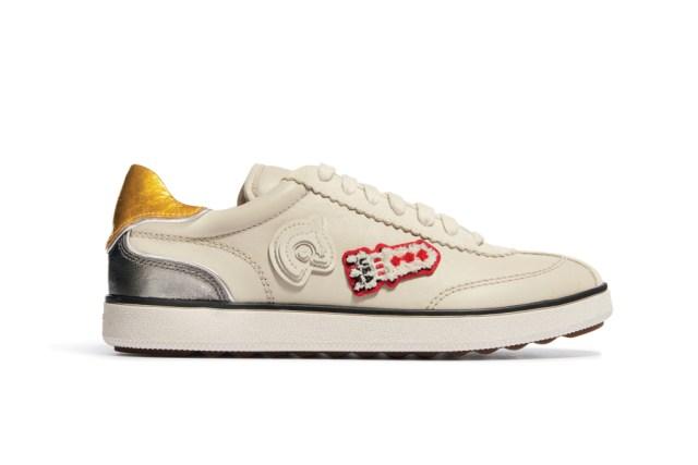 На фото: обувь в тренде комфорт из коллекции Coach.