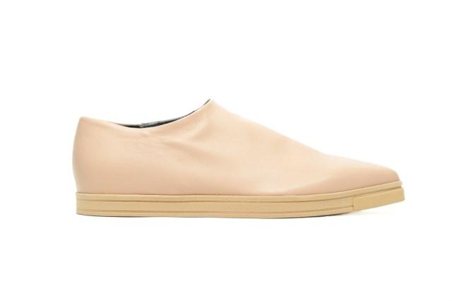 На фото: обувь в тренде комфорт из коллекцииStella-McCartney.