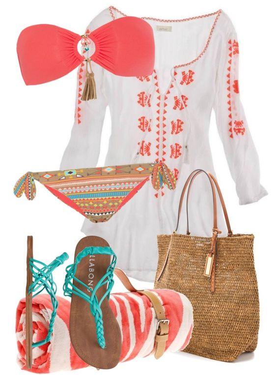 На фото: модный лук для знойного лета купальник - купальник, рубашка, вьетнамки и очки.