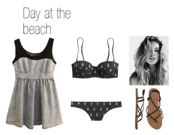 На фото: модный лук для знойного лета - купальник, короткое платье, сандалии.