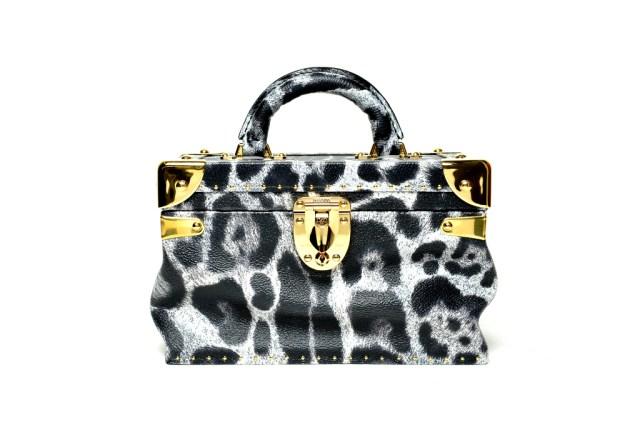 Модная сумка: яркая новинка сезона - сумка торба из коллекции Модная сумка: яркая новинка сезона - сумка чемодан из коллекции louis-vuitton.