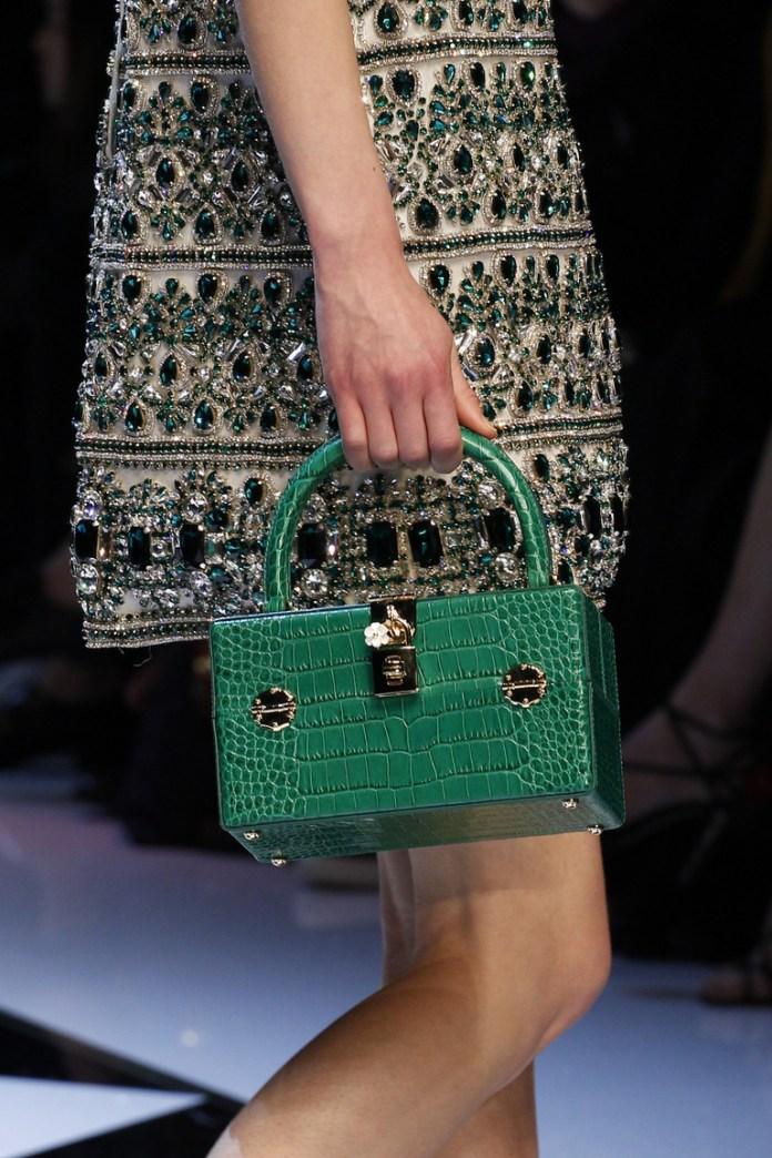 На фото: модная модель сумки осень-зима 2016-2017 из коллекции Dolce-Gabbana.