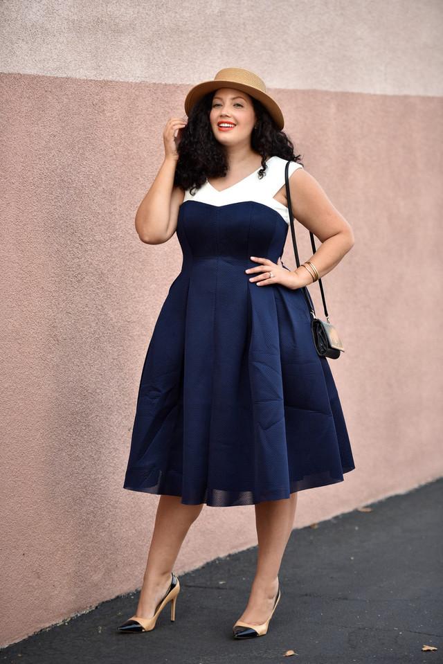 На фото: модных блоггеров plus size Tanesha Awasthi.