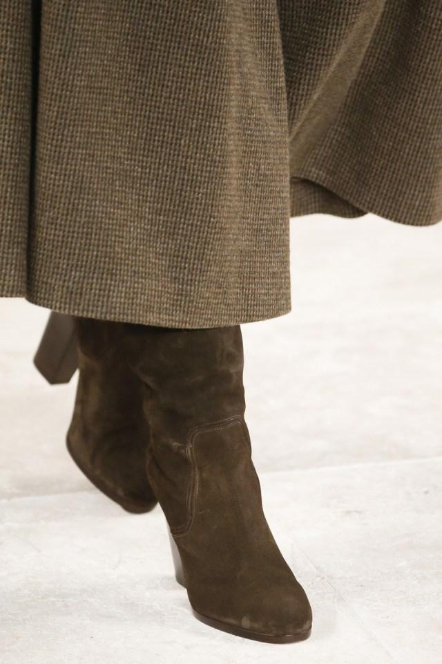 На фото: модные сапоги – тренд осени 2016 и зимы 2017 из коллекции Ralph-Lauren